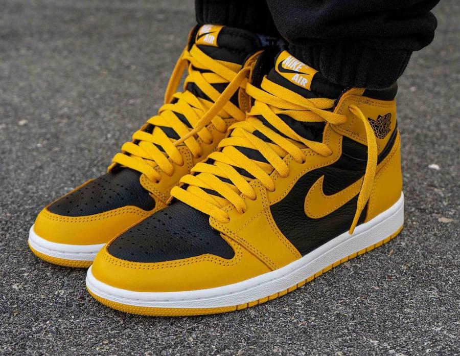 Air Jordan One Hi noire et jaune on feet (3)