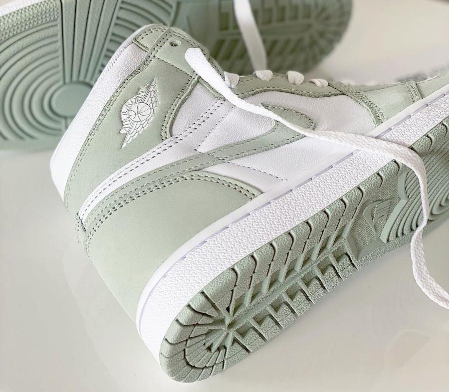 Air Jordan One High blanche et écume de mer (5)