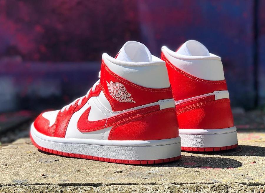 Air Jordan One blanche et rouge piment (1)