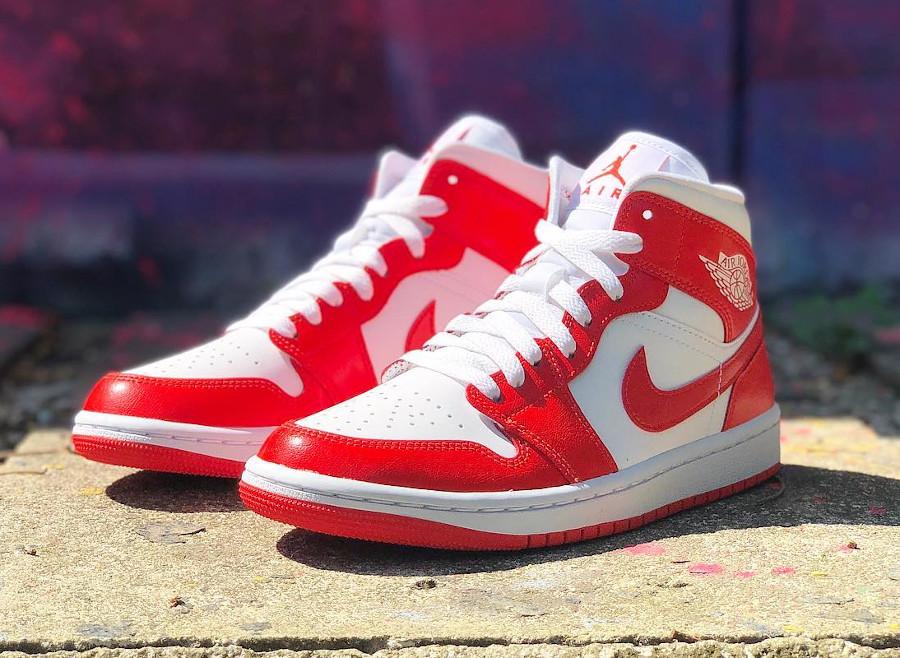 Air Jordan One blanche et rouge piment (2)