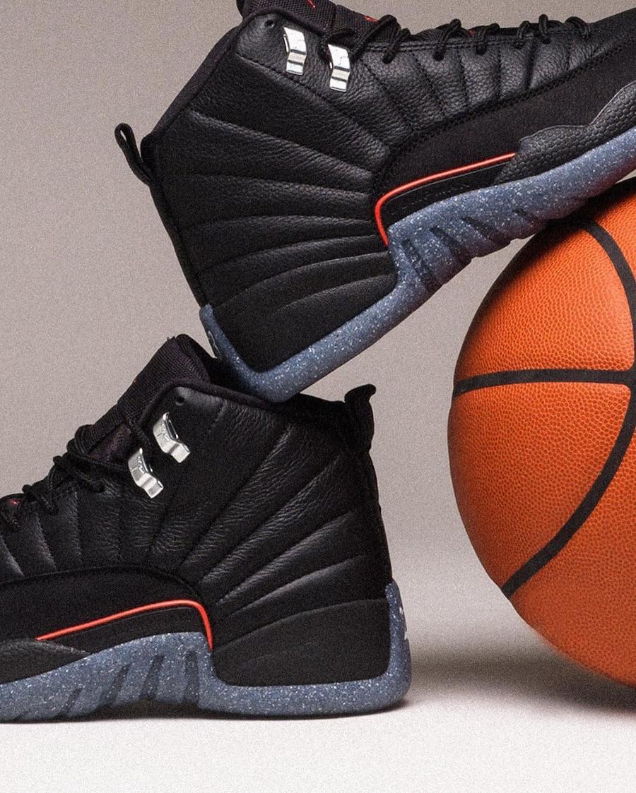 Air Jordan XII noire avec une semelle recyclée (6)