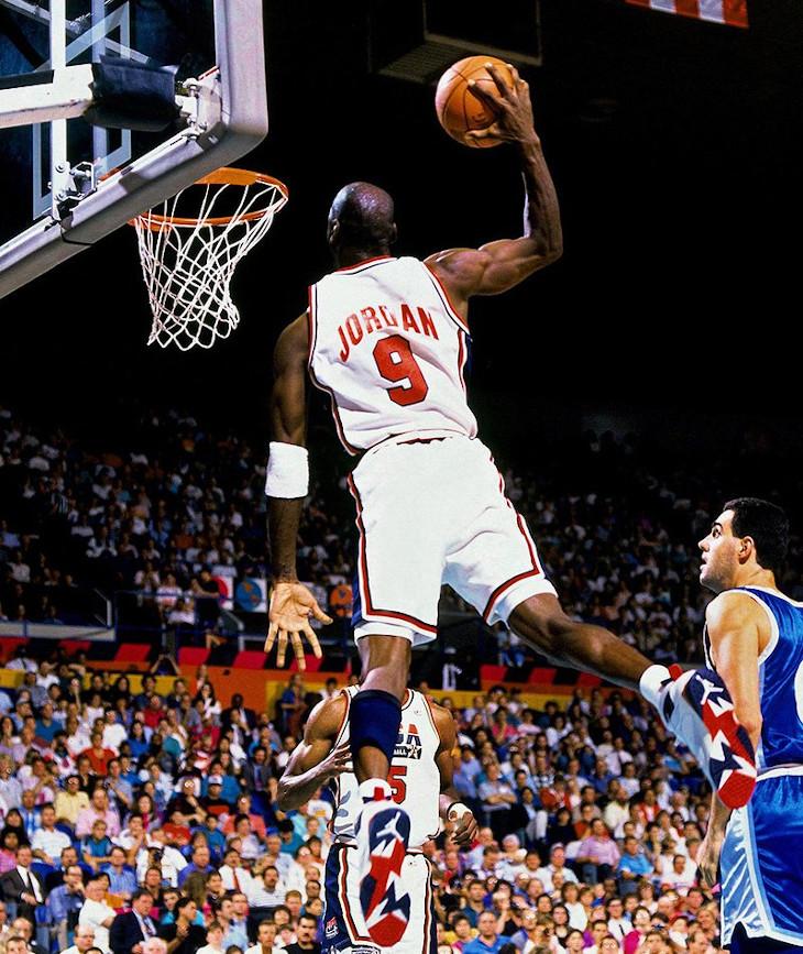 Michael Jordan en Air Jordan 7 Olympic aux JO de Barcelone