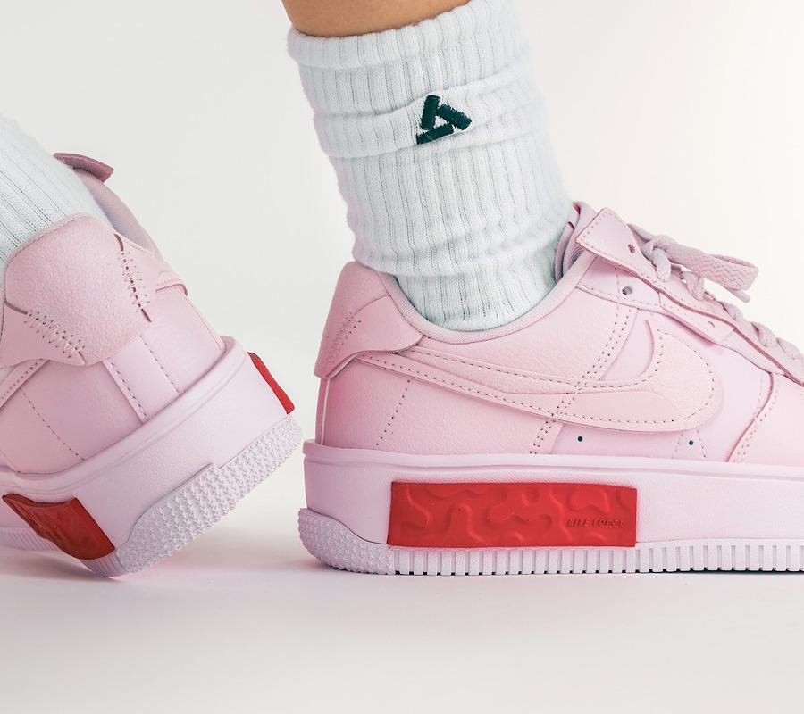 Nike Air Force One Fontanka rose on feet (1)