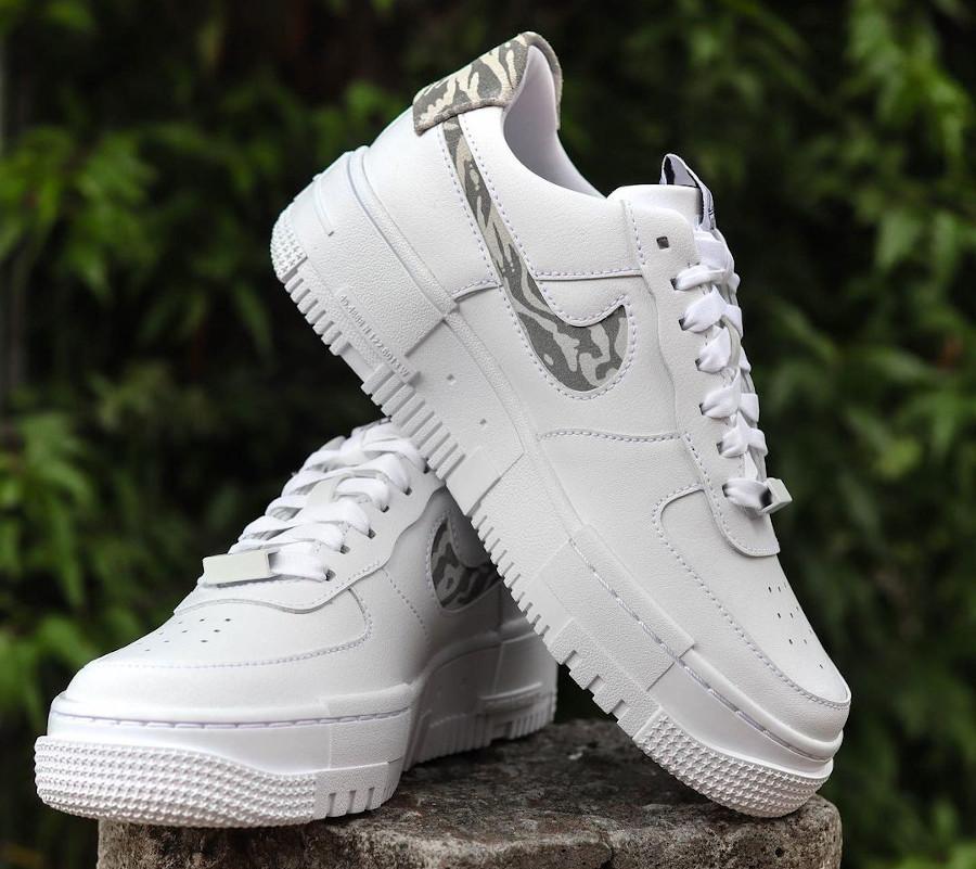 Nike Air Force One Pixel blanche motif zèbre (2)