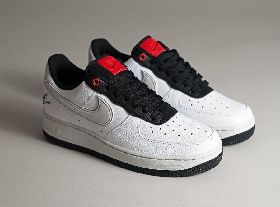 Nike Air Force One blanche (broderie de grue à couronne rouge) (3)