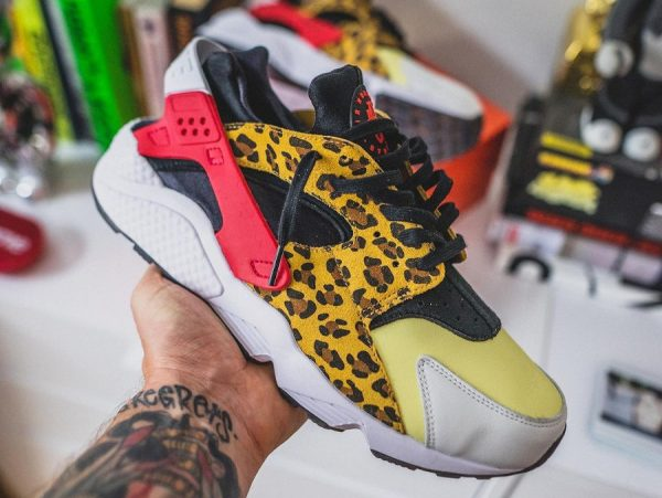 Nike Air Huarache Snkrs Day 8821 Got EM Yellow Safari DM9092-700