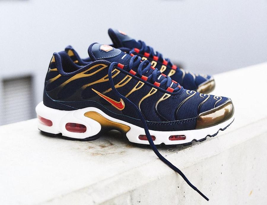 Nike Air Max Tuned 1 bleu marine rouget et doré (2)