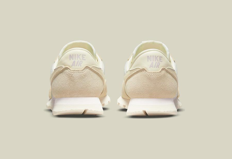 Nike Air Pegasus 83 2021 beige crème et blanc cassé (1)