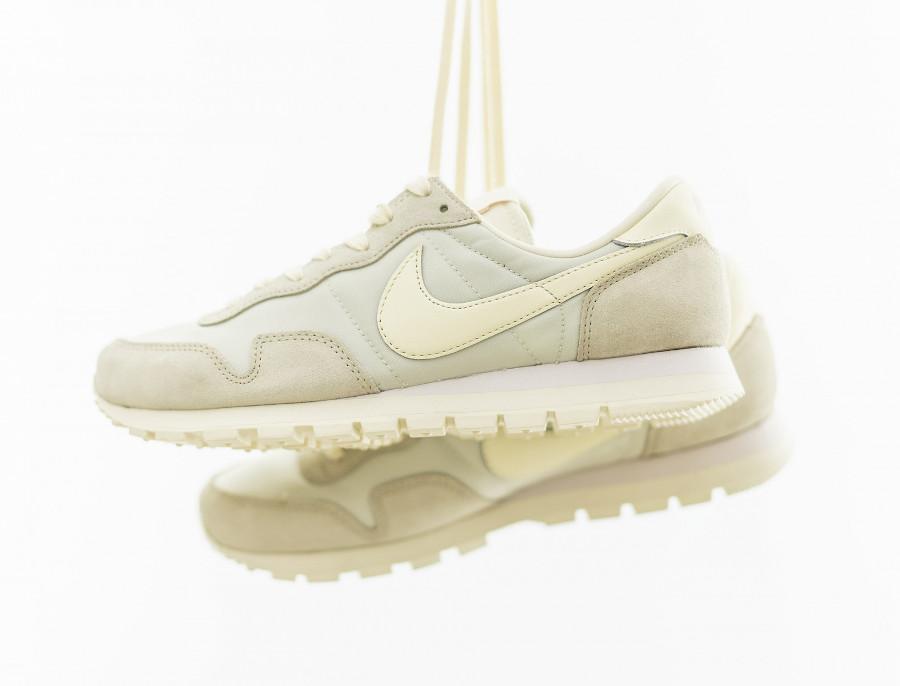 Nike Air Pegasus 83 2021 beige crème et blanc cassé (6)