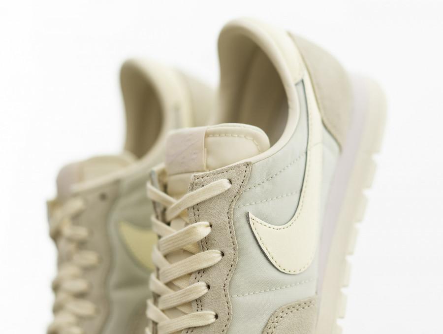 Nike Air Pegasus 83 2021 beige crème et blanc cassé (7)