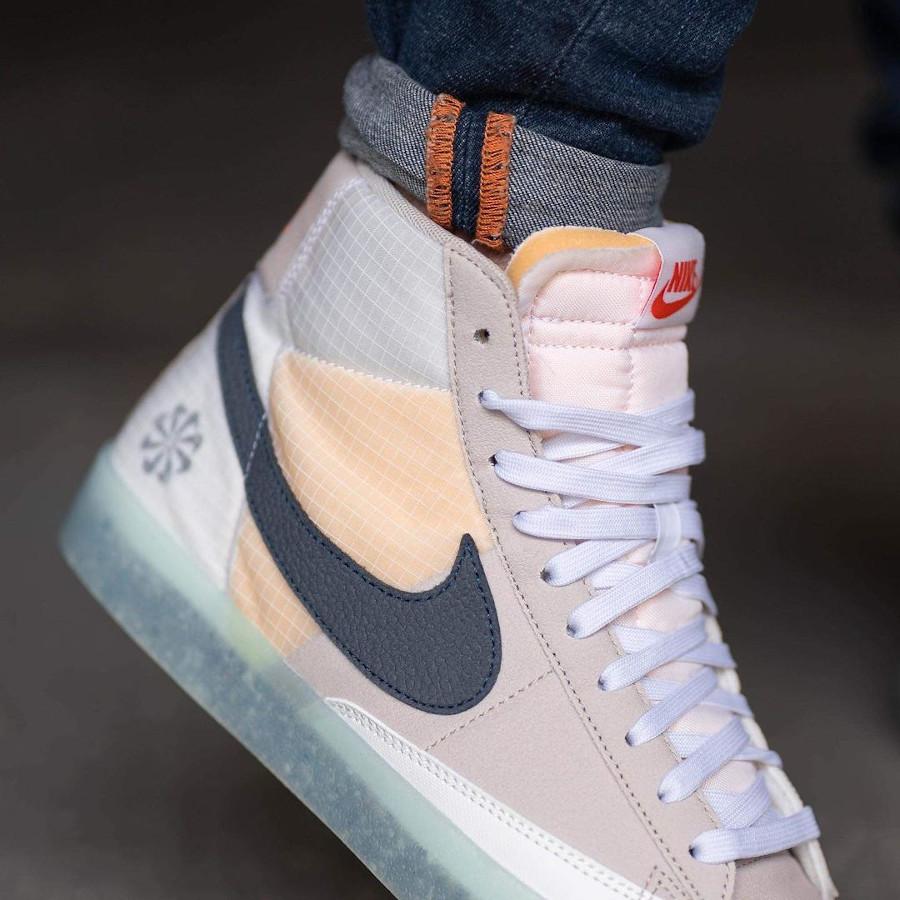Nike Blazer Mid recyclée style Sacai (semelle transparente) on feet (2)
