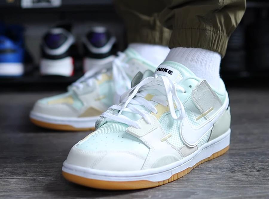 Nike Dunk Scrap grise et vert pastel on feet (4)