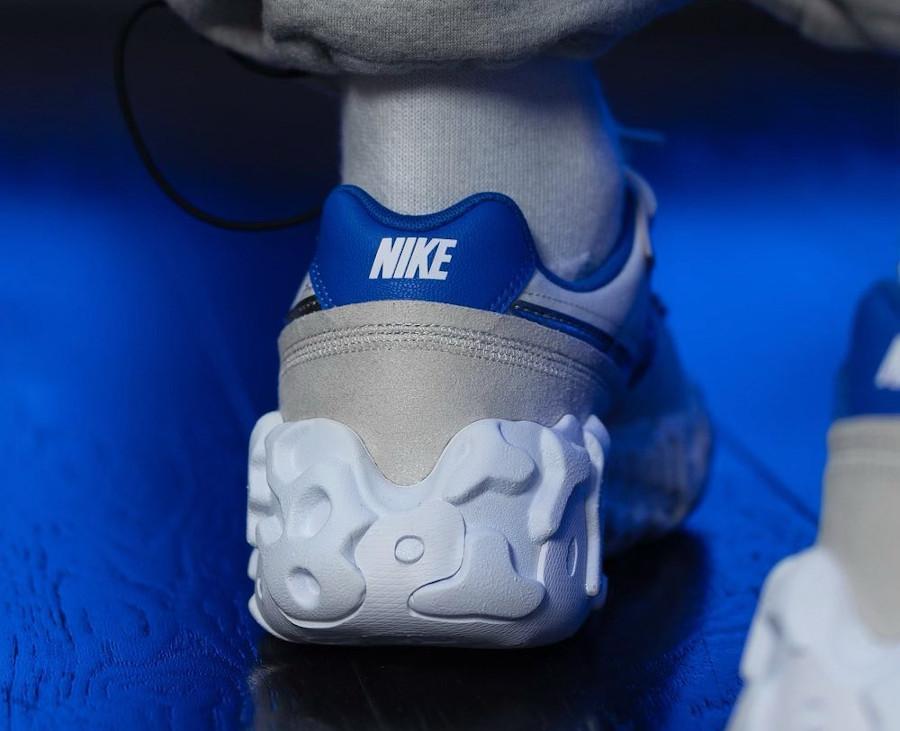 Nike Over Break blanc cassé et bleue (2)