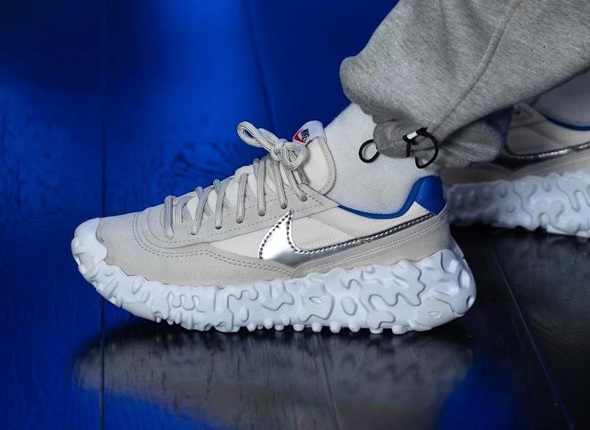 Nike Over Break blanc cassé et bleue (3)