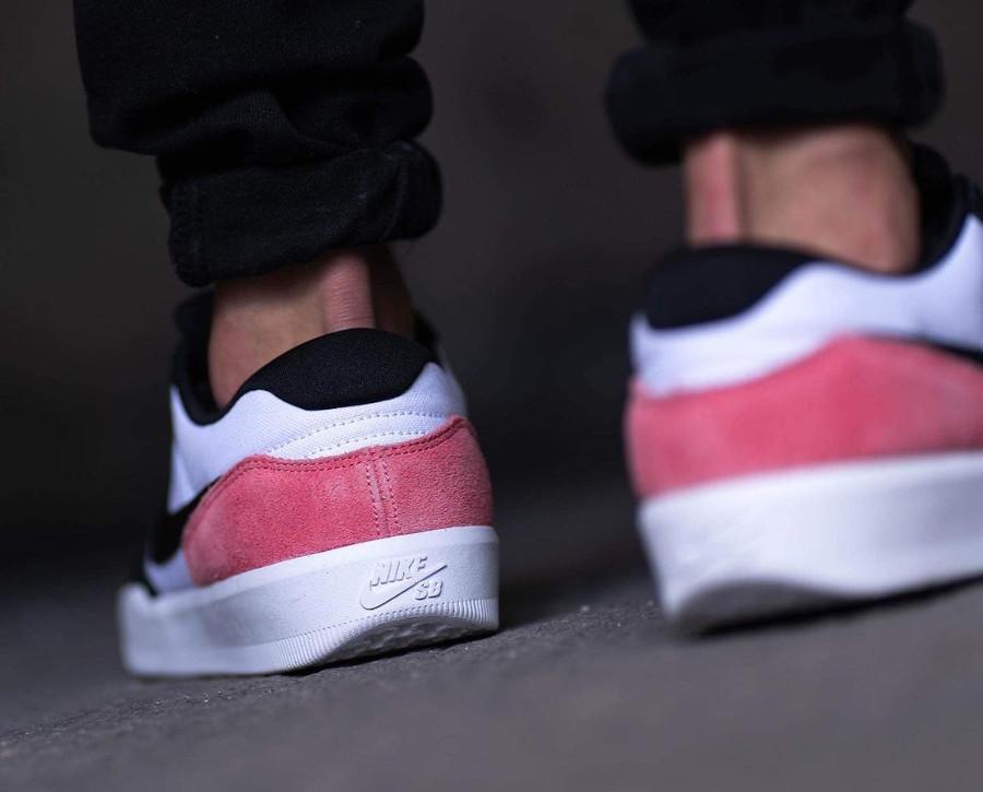 Nike SB Force 58 en toile blanche et en daim rose (1)