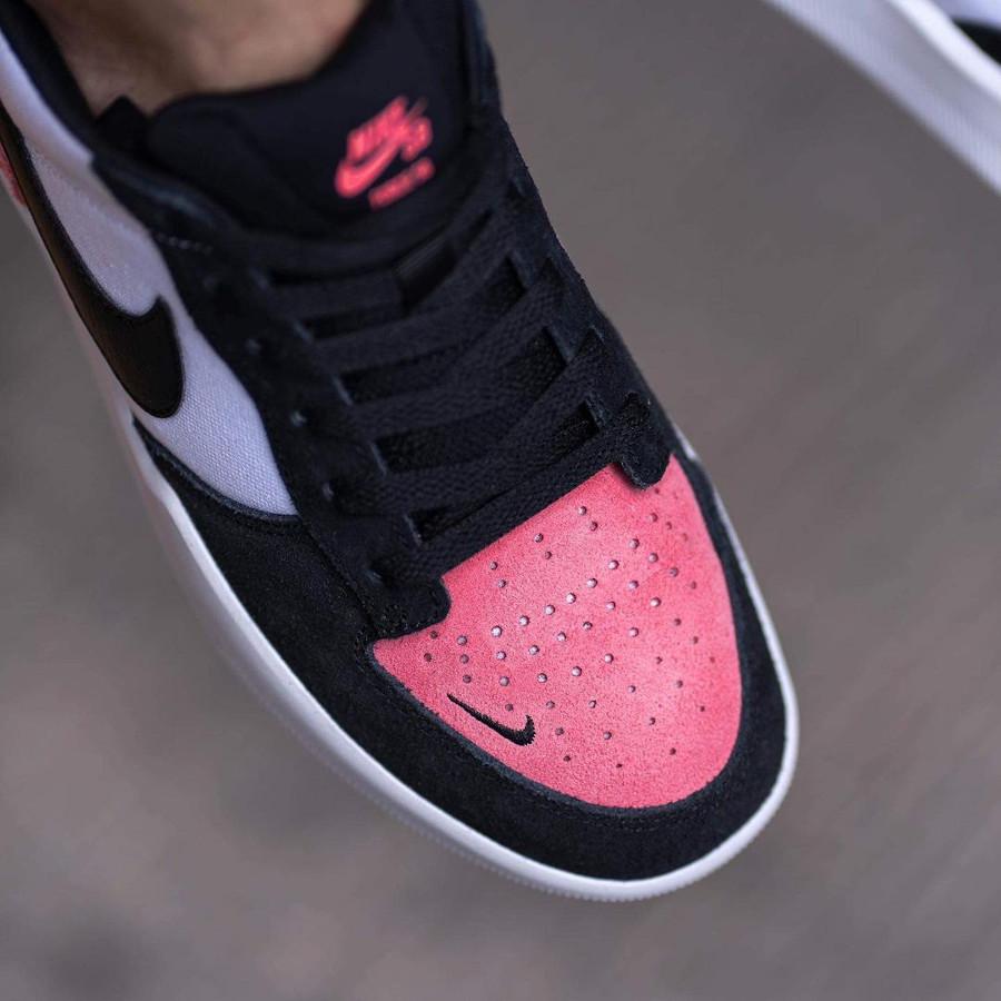 Nike SB Force 58 en toile blanche et en daim rose (6)