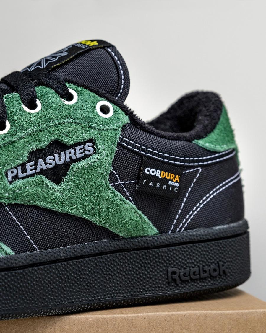 Reebok Club C OG noire avec des poils vertes (2)