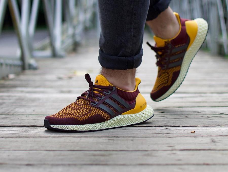 Adidas Ultra 4D bordeaux et jaune on feet (3)
