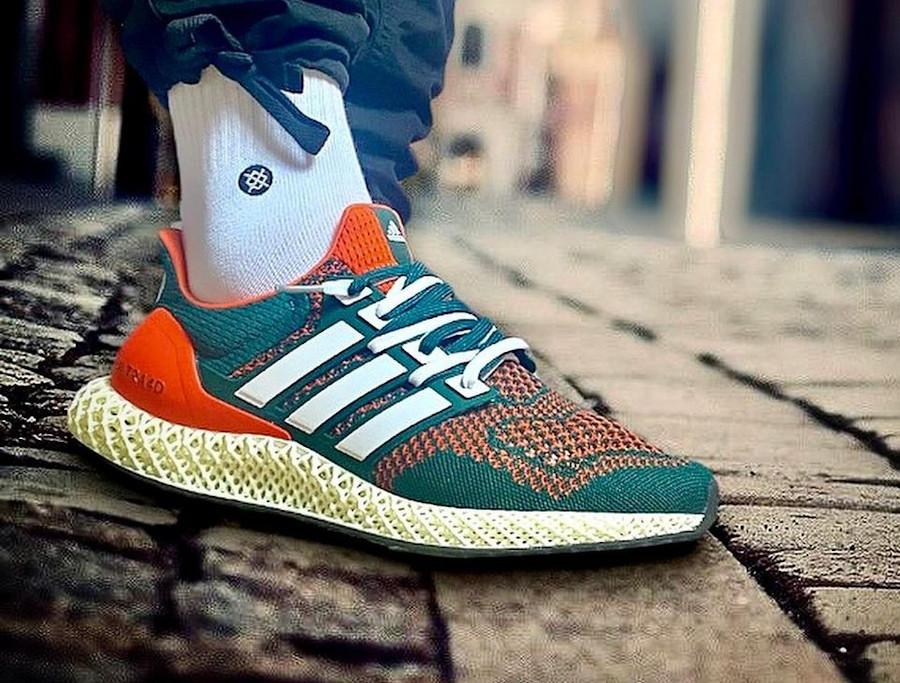 Adidas UltraBoost 4D verte et orange on feet (1)