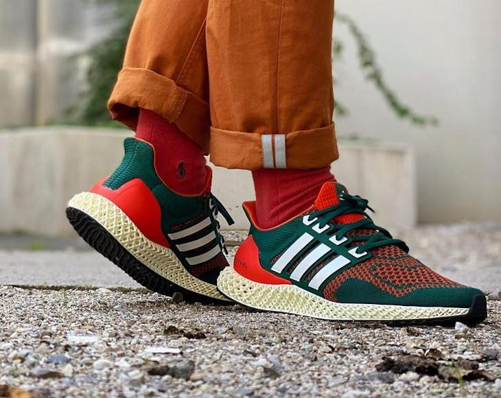 Adidas UltraBoost 4D verte et orange on feet (2)