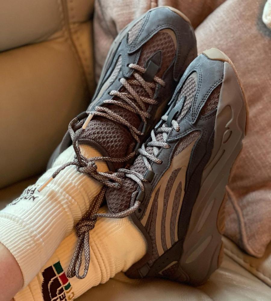 Adidas Yeezy 700 Boost V2 Mauve on feet