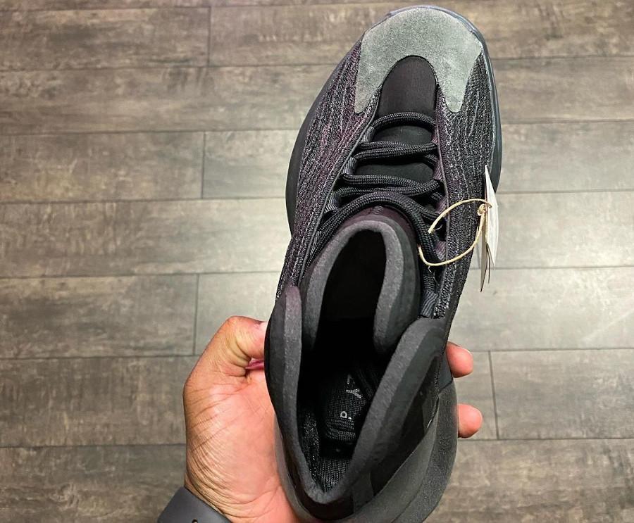 Adidas Yezzi Quantum Basketball grise et noire (4)