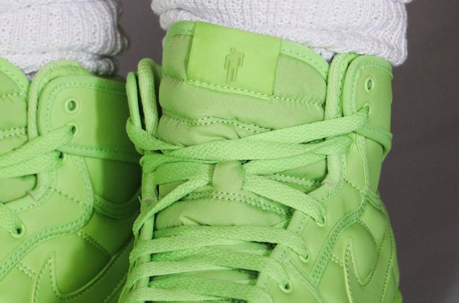 Air Jordan One KO blōhsh vert fluo on feet