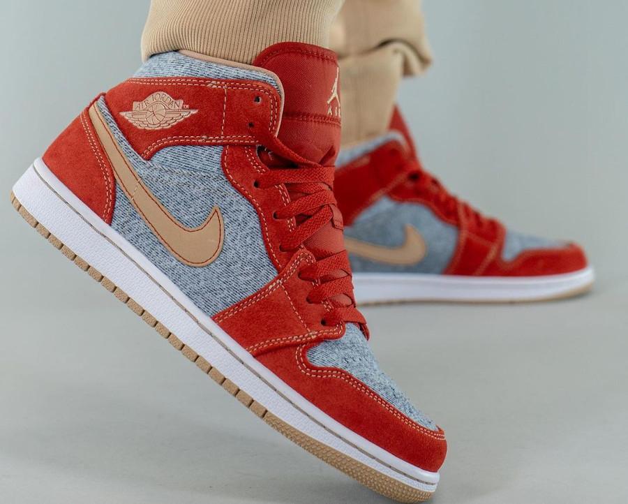Air Jordan One Mid en suède rouge et en jeans bleu délavé (6)
