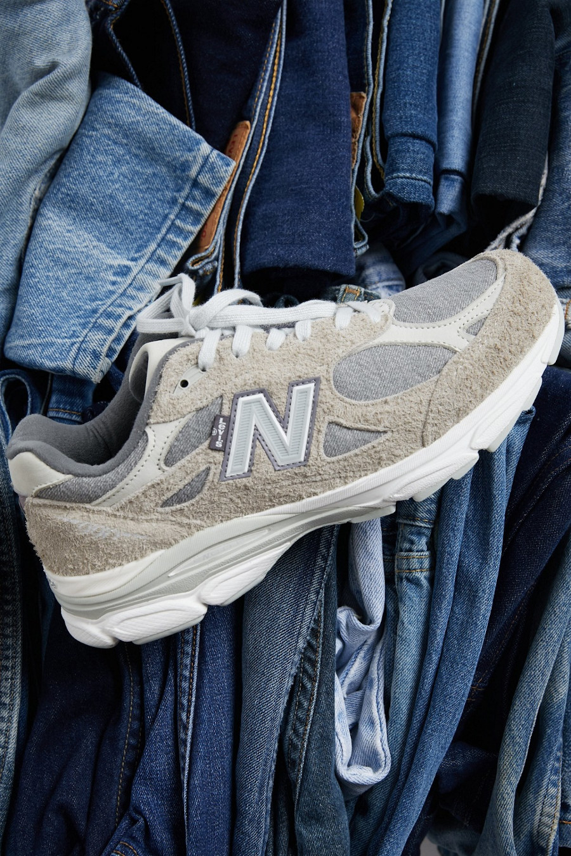 New Balance 990V3 en jeans gris (daim poilu) (3)
