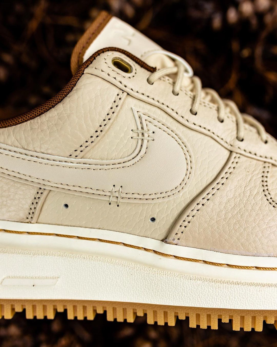 Nike Air Force 1 Lux City Boot beige (3)