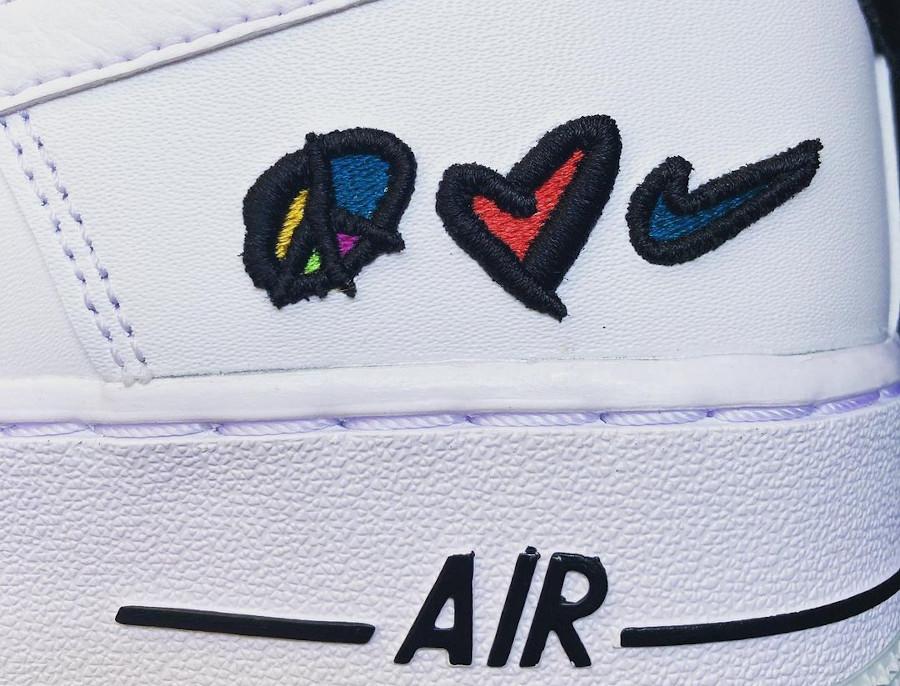 Nike Air Force One blanche (coeur et paix) (3)