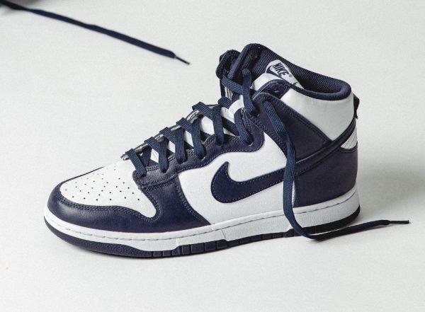 Nike Dunk Hi blanche et bleu foncé (couv)