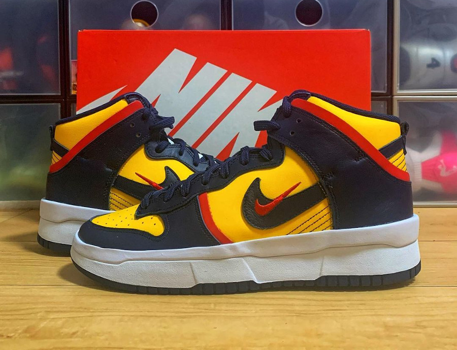 Nike Dunk High Rebel grosse semelle bleu marine et jaune (1)