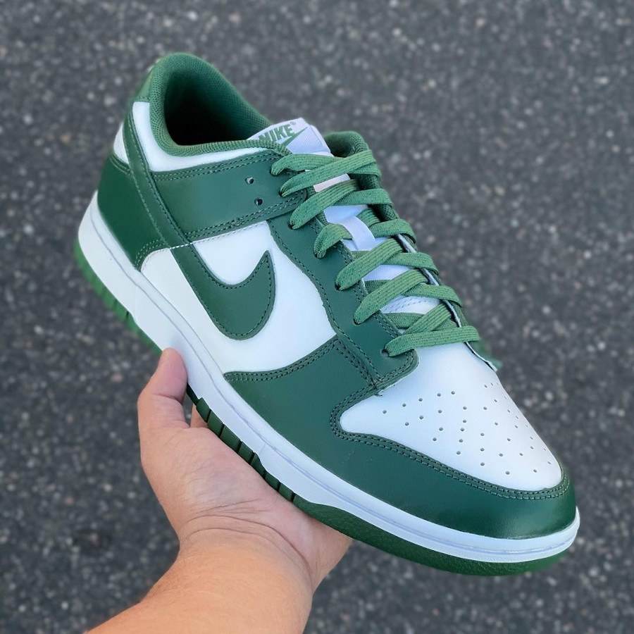 Nike Dunk Low OG blanche et verte (1)
