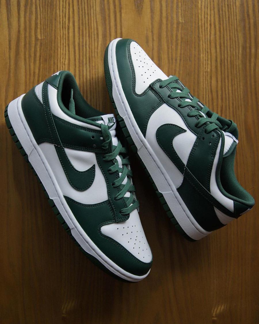 Nike Dunk Low OG blanche et verte (2)