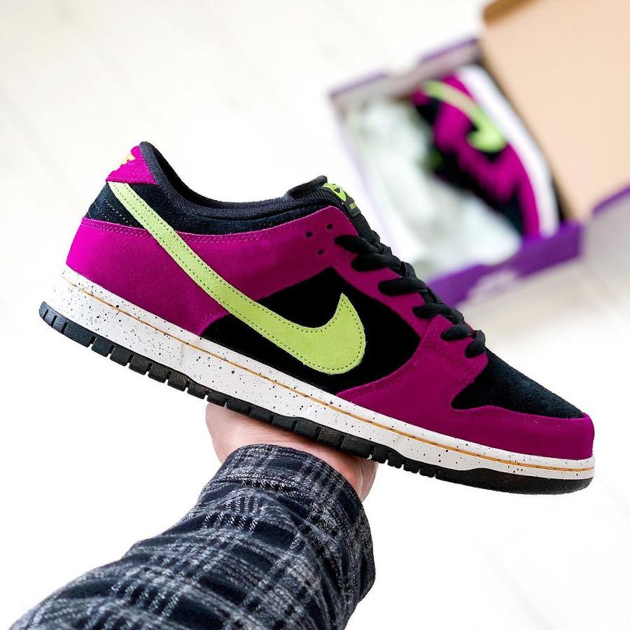 Nike Dunk Low Pro SB en suède violet noir et vert néon (1)