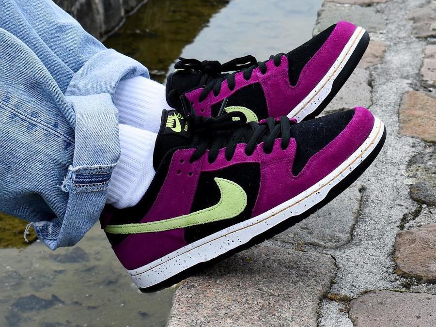 Nike Dunk Low Pro SB en suède violet noir et vert néon (2)