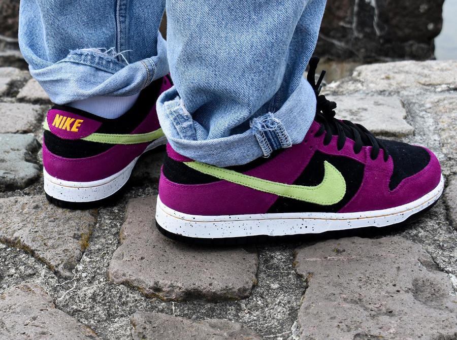 Nike Dunk Low Pro SB en suède violet noir et vert néon (3)