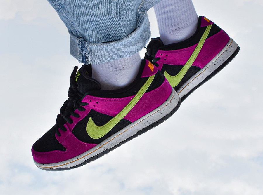 Nike Dunk Low Pro SB en suède violet noir et vert néon (5)