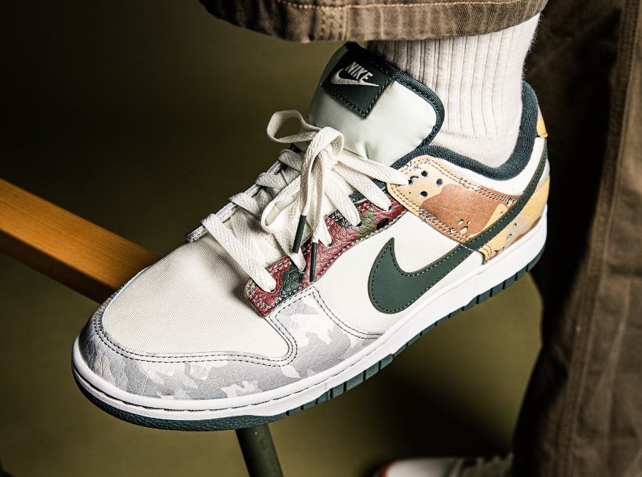 Nike Dunk Low Special Edition blanche militaire 2021 on feet (3)