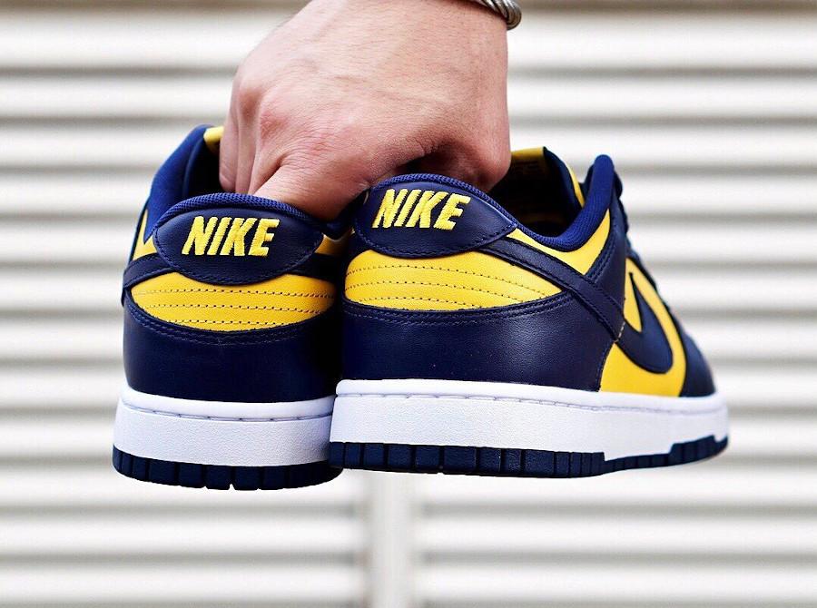 Nike Dunk Low bleu foncé et jaune (3)