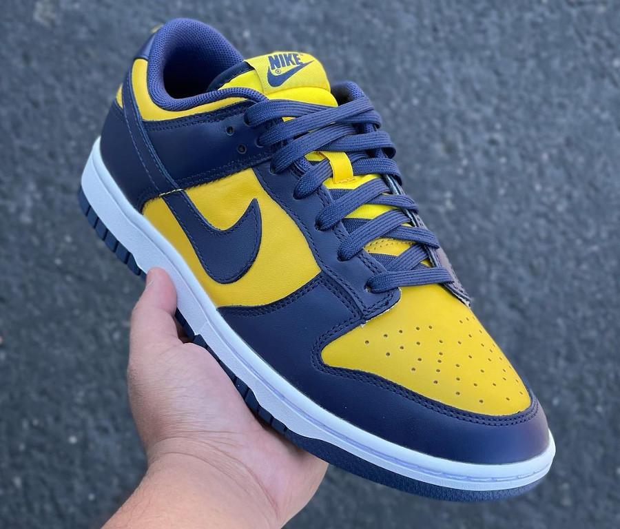 Nike Dunk Low bleu foncé et jaune (5)