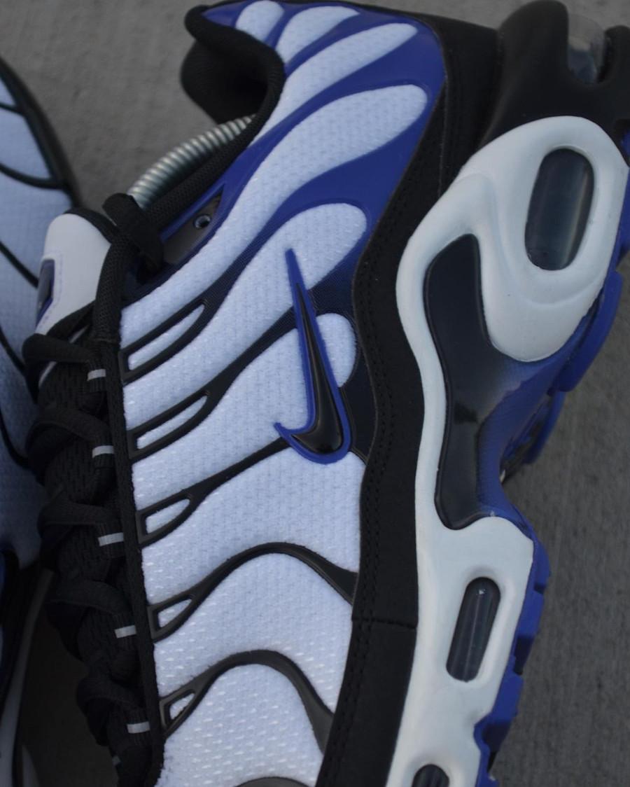 Nike Tuned 1 blanche noire et violacé (4)