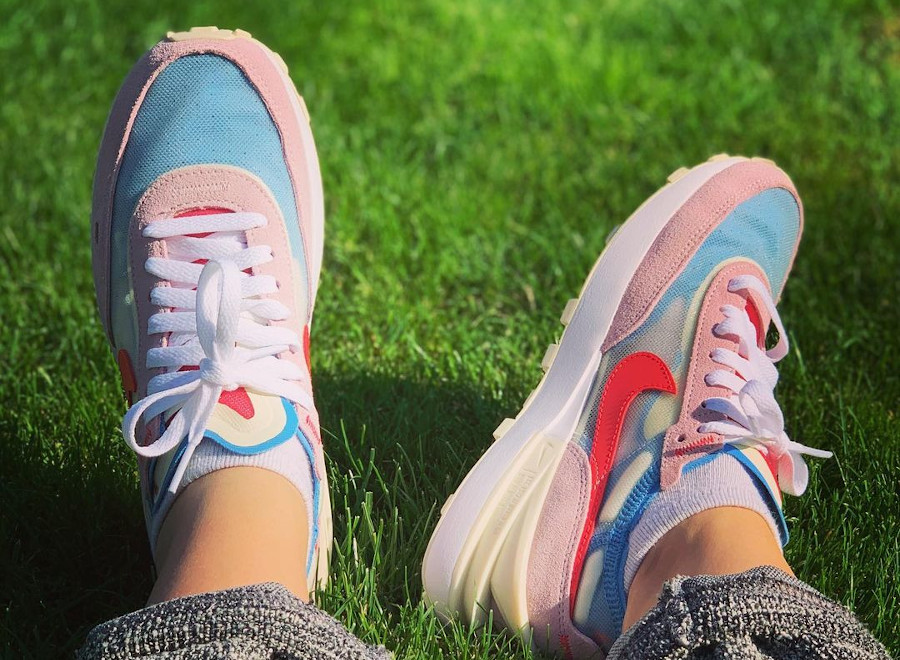 Nike Wmns Waffle One Regal Pink Fusion Red Coconut Milk pas cher