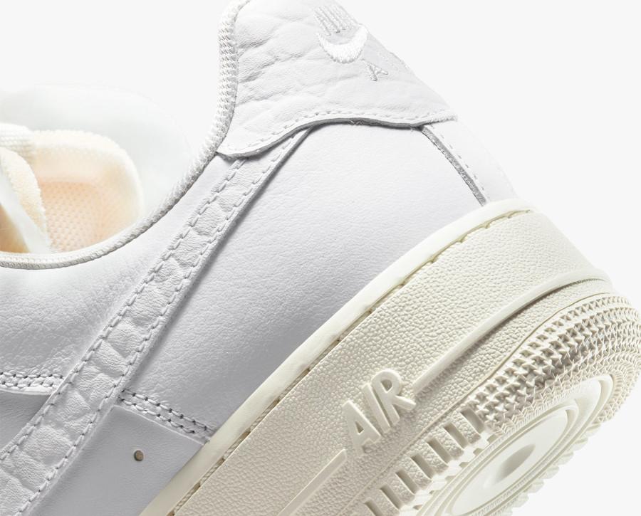 Women's Nike Air Force 1 blanche avec des pierres précieuses (7)