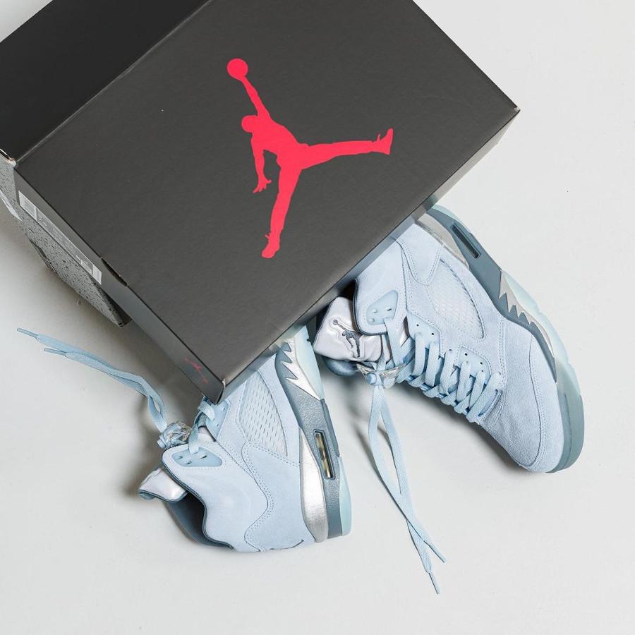 Air Jordan 5 Retro en nubuck bleu ciel (1)