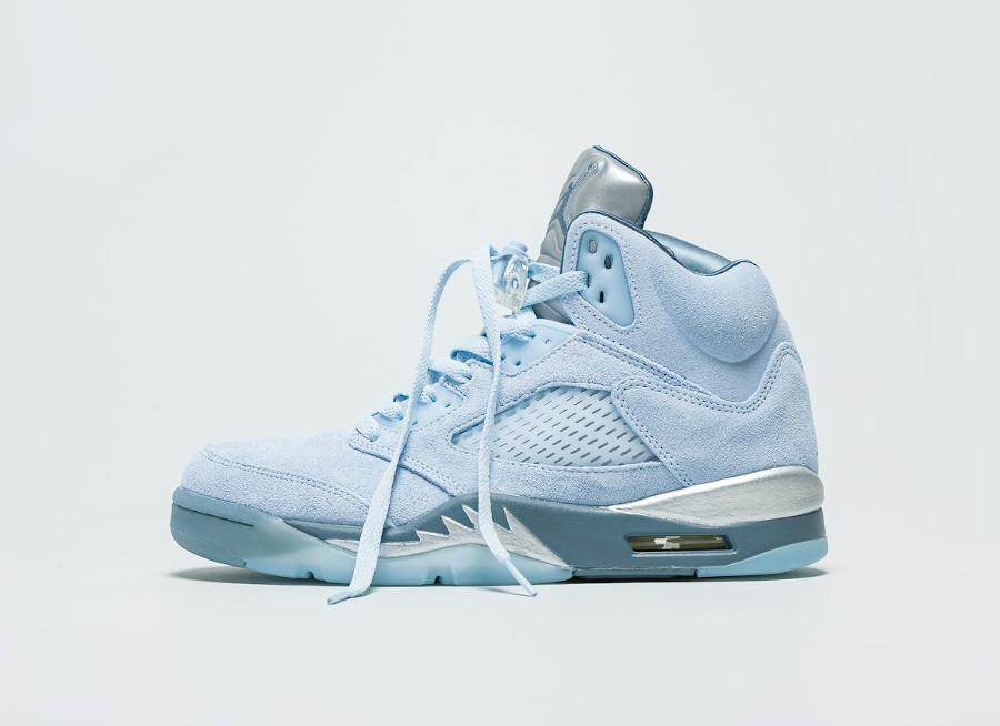 Air-Jordan-5-Retro-en-nubuck-bleu-ciel-5
