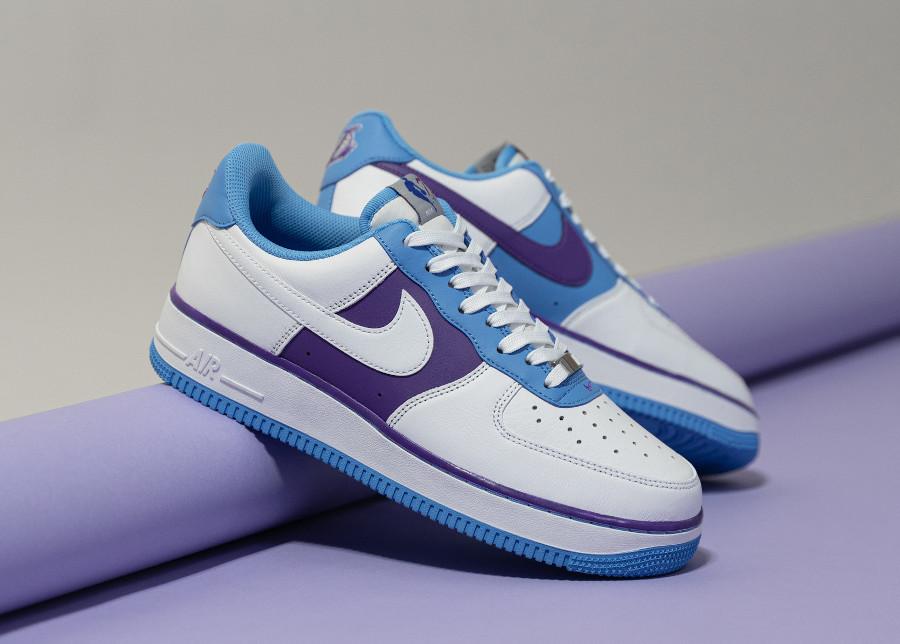 Nike Air Force One L.A blanche bleu et violette (1)