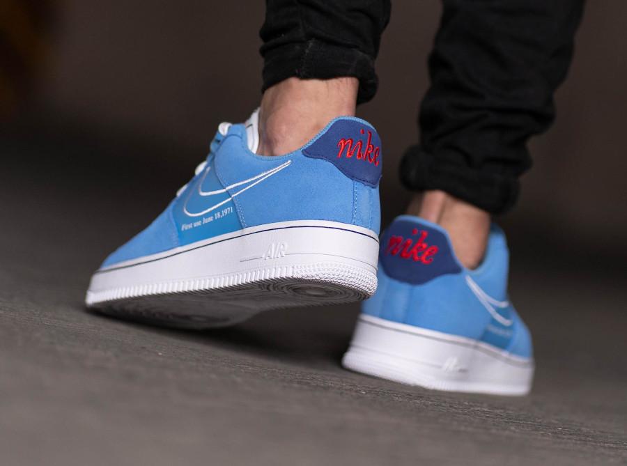 Nike Air Force One Swoosh 50th Anniversary bleu ciel on feet (1)