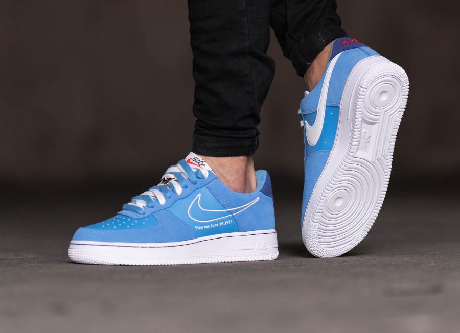 Nike Air Force One Swoosh 50th Anniversary bleu ciel on feet (2)